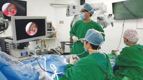 جراحی اندوسکوپیک گوش