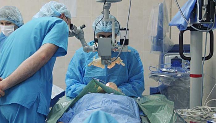 چه زمان باید برای اکوستیک نورینوما به پزشک مراجعه کرد؟